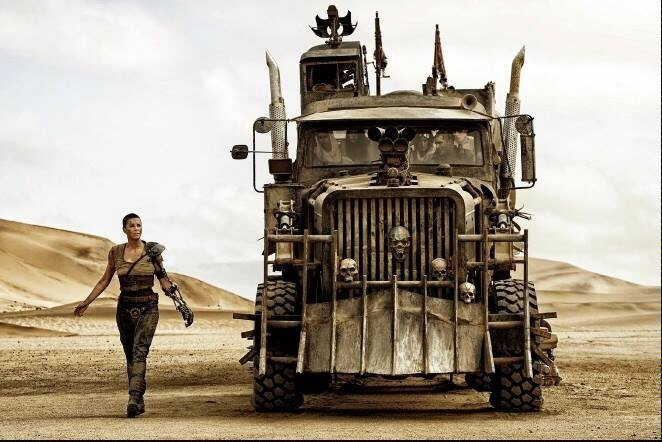mad-max-fury-road-tom-hardy-charlize-theron-02-1405933799